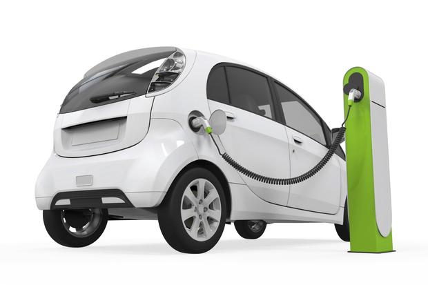 Elektromos autótöltés manipulálása